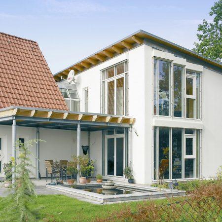 finestre-brillant-design-in-una-casa-monofamiliare